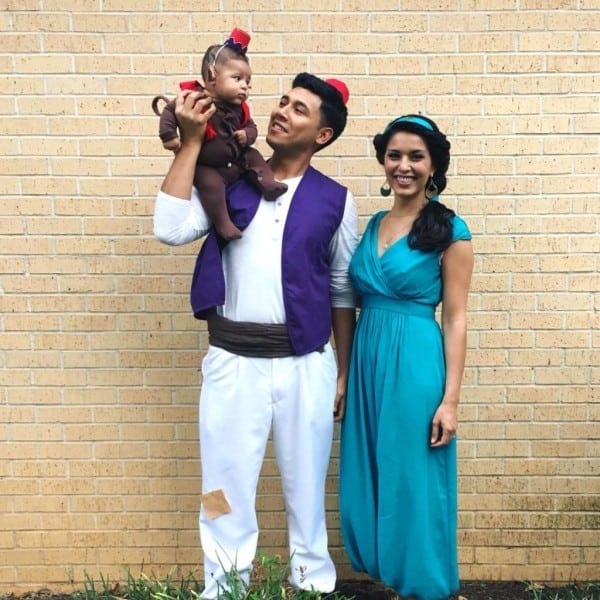 10 Spectacular Family Costume Ideas For 3