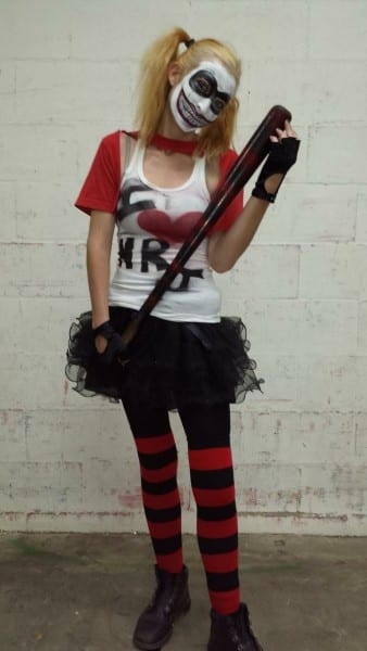 How To Make A Harley Quinn Costume (with Pictures)