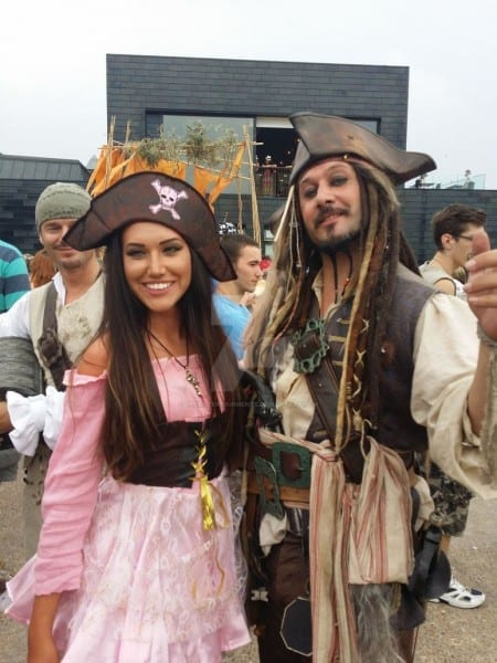 Captain Jack Sparrow Lookalike And Hot Pirate Girl By