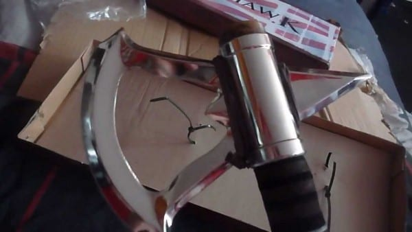 Assassin's Creed 3 Connors Real Tomahawk Unboxing