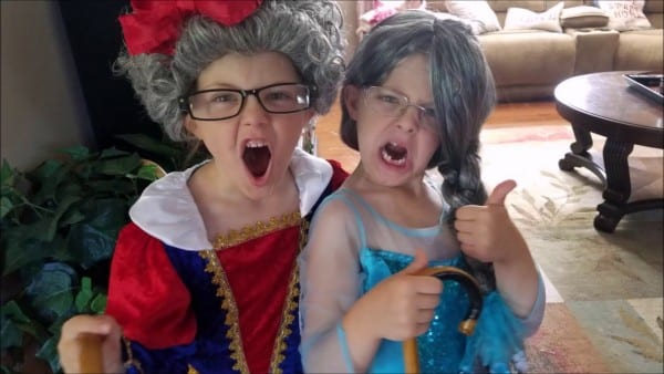Twins Dress Up As Elsa And Snow White Irl  Old Grandma  Stay Off