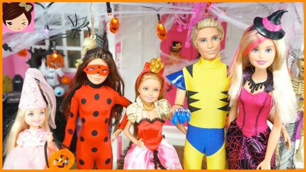Barbie House Halloween Decorations & Doll Costumes With Chelsea