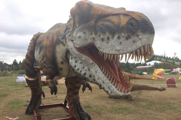 Update  Giant Dinosaurs At Cloverdale Park Part Of Upcoming