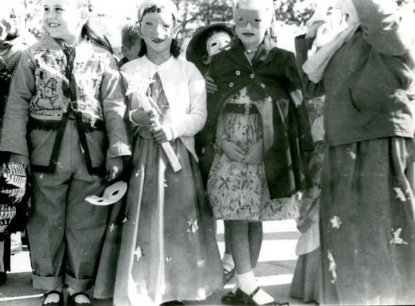 1950s Halloween Costumes