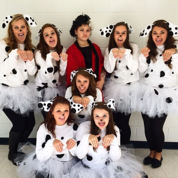 Diy 101 Dalmatian Costumes For Spirit Week Or For A Halloween