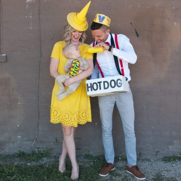 Diy Hot Dog Halloween Costume For The Whole Family