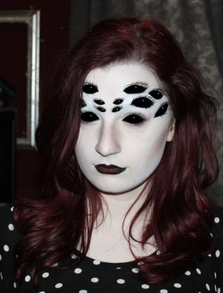 Creepy Spider Eyes Make