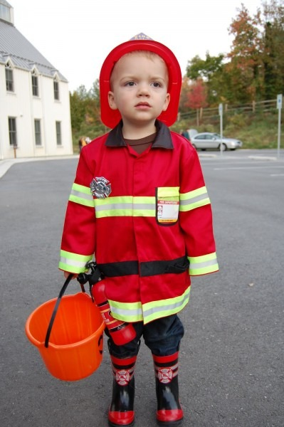 Firefighter Costumes (for Men, Women, Kids)