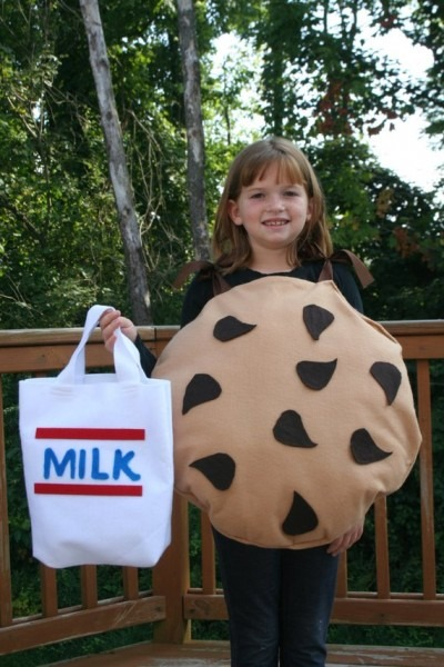 Halloween Costume Chocolate Chip Cookie W  Milk Treat Bag