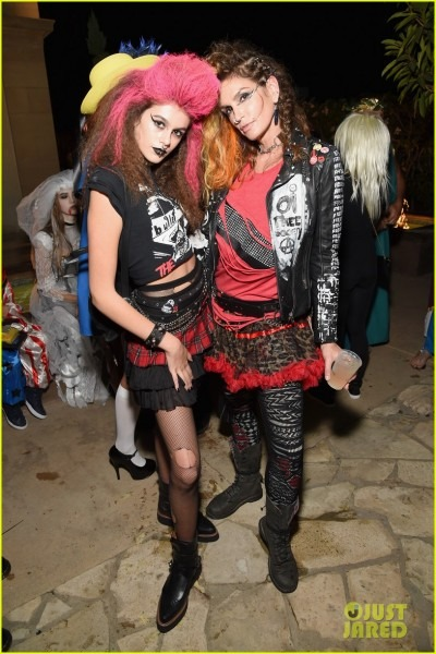 Cindy Crawford & Rande Gerber Have A Punk Rock Family Costume For
