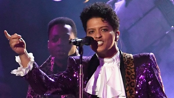 Bruno Mars Rocks Purple Suit For Prince Tribute Performance With