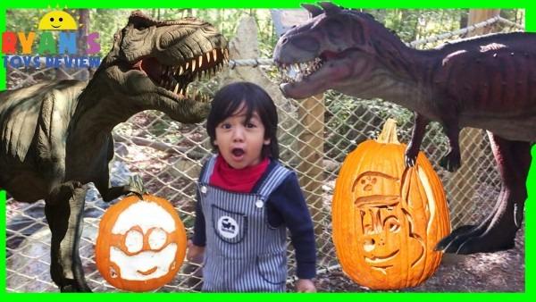 Giant Life Size Dinosaur At Thomas Land Amusement Park