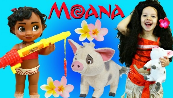 Moana Costume Dress Up & Disney Princess Makeover With Pua Pig
