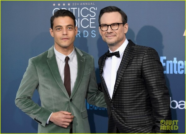 Mr  Robot' Cast Suit Up For The Critic's Choice Awards!  Photo
