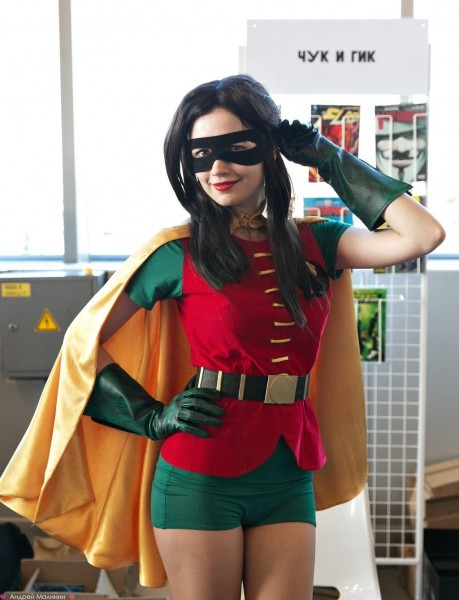 Robin (probably Meant As A Female Dick Grayson) At Comicon Russia