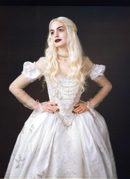 The White Queen (anne Hathaway) 'alice In Wonderland' 2010