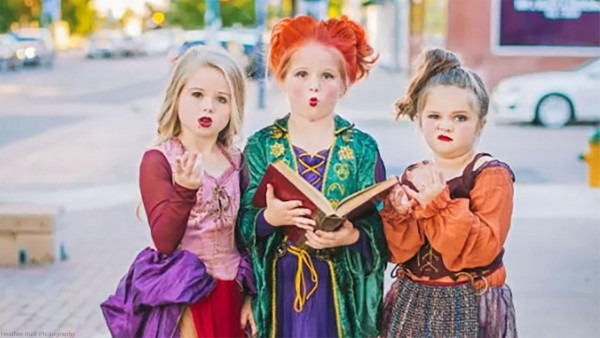 Sisters Run 'amok!' In Wickedly Fun 'hocus Pocus'