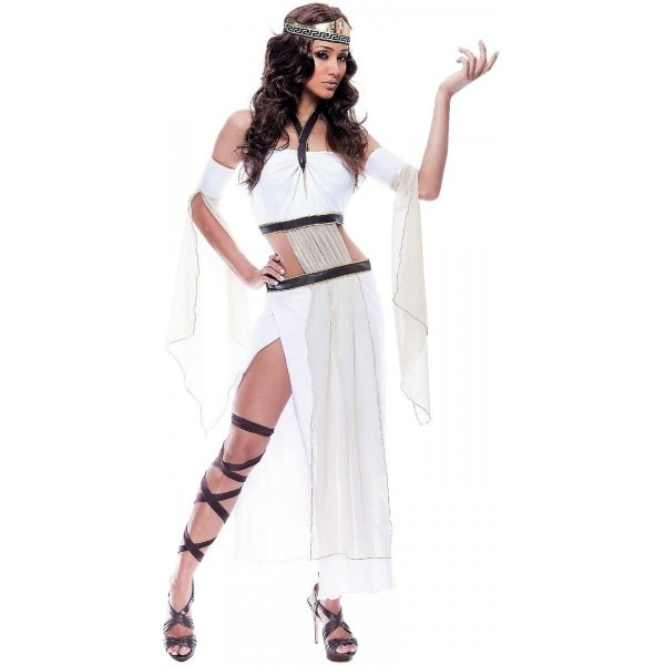 Spartan Queen Costume On The Hunt