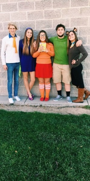 Scooby Doo Homecoming Spirit Costumes Fred Daphne Velma Shaggy And