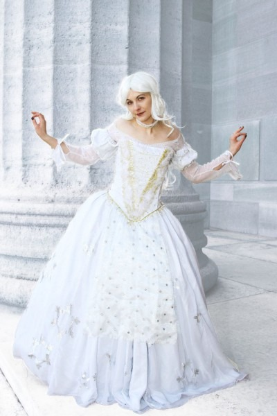 The White Queen  Cosplay, Alice In Wonderland By Cosmic