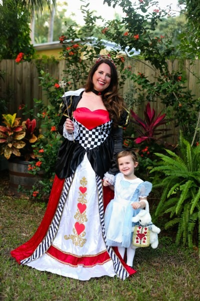 Mommy And Me Halloween Costume Ideas  Alice In Wonderland
