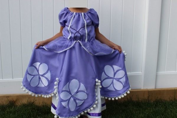 Jillian Sews  Sofia The First Dress!