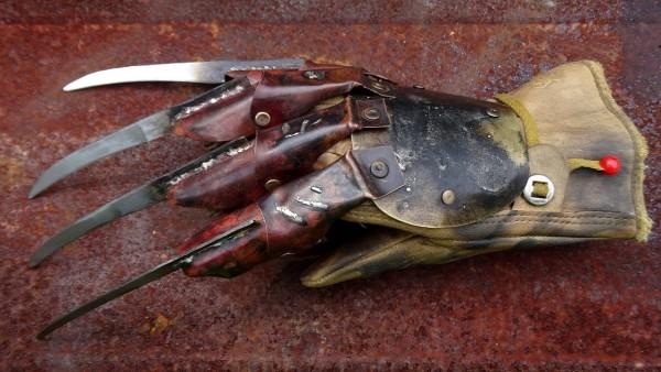 Freddy Krueger Glove From  A Nightmare On Elm Street 4  The Dream