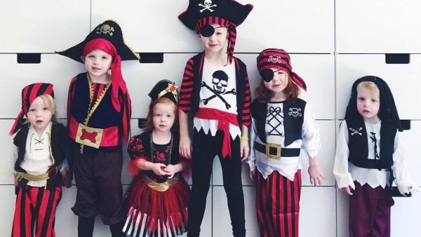 Kids Halloween Pirate Costume Dress Up!