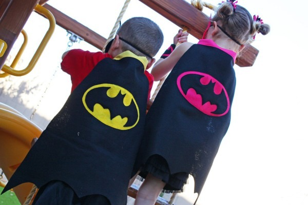 Auction  Kid's Batman Cape With Mask