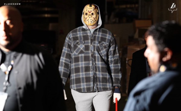 Lebron Arrives For Tonight's Game, In His Own Halloween Costume   Nba