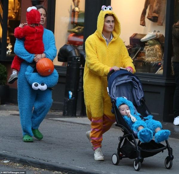 Lauren Bush Lauren, David Lauren And Their Kids Dress Up As Sesame
