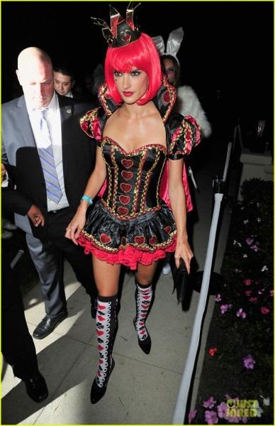 Alessandra Ambrosio  Queen Of Hearts 'alice In Wonderland' Costume