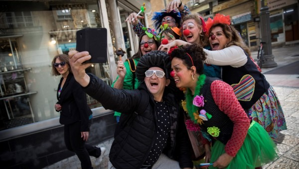 Purim Costumes You'll Want To Copy