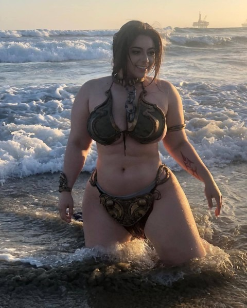 18 Of The Best Princess Leia Slave Costumes In The Galaxy