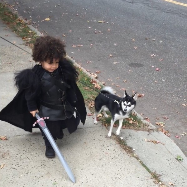 This Tiny Jon Snow And His Ghost Are Melting Our Icy Winter Hearts