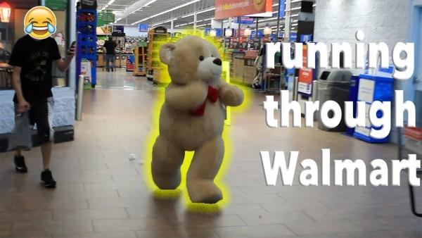 Giant Teddy Bear Comes To Life