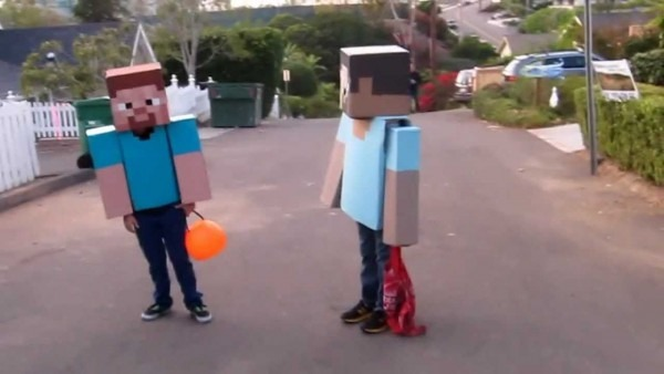Two Best Friends Made Their Minecraft Costumes For Halloween  They