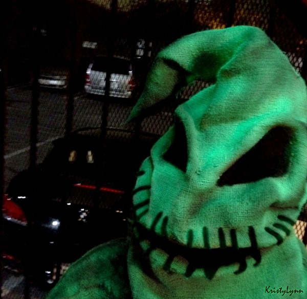 Oogie Boogie Costume (glows)  9 Steps (with Pictures)