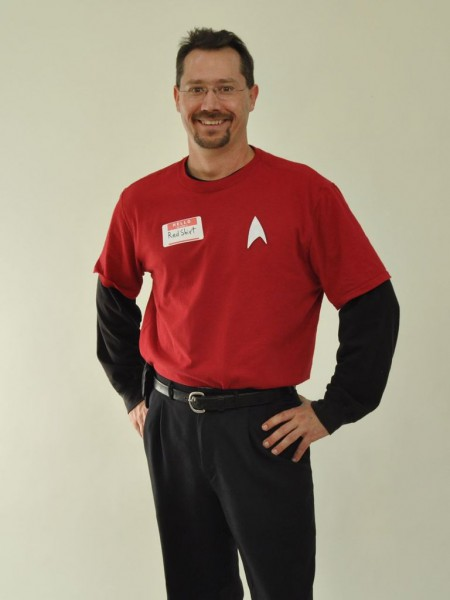 Easy Star Trek  Red Shirt  Costume  5 Steps (with Pictures)