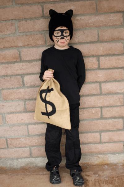 Easy Cat Burglar Costume