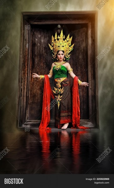 Thai Costume Beautiful Image & Photo (free Trial)